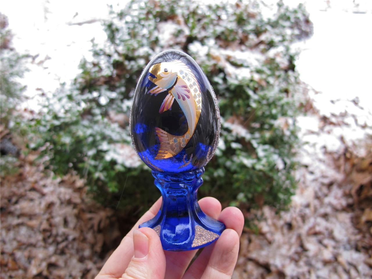 Fenton koi fish cobalt blue handpainted glass egg for Koi carp eggs