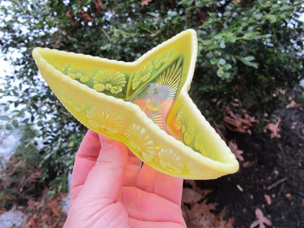 Antique Davidson Vaseline War of Roses Opalescent Glass Three-Star Canoe
