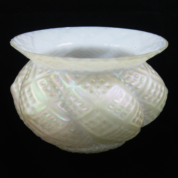 Kralik? White Diamond in Diamond Art Glass Spittoon