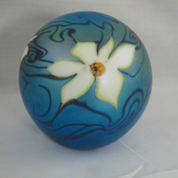 Vandermark Favrile Floral Art Glass Paperweight