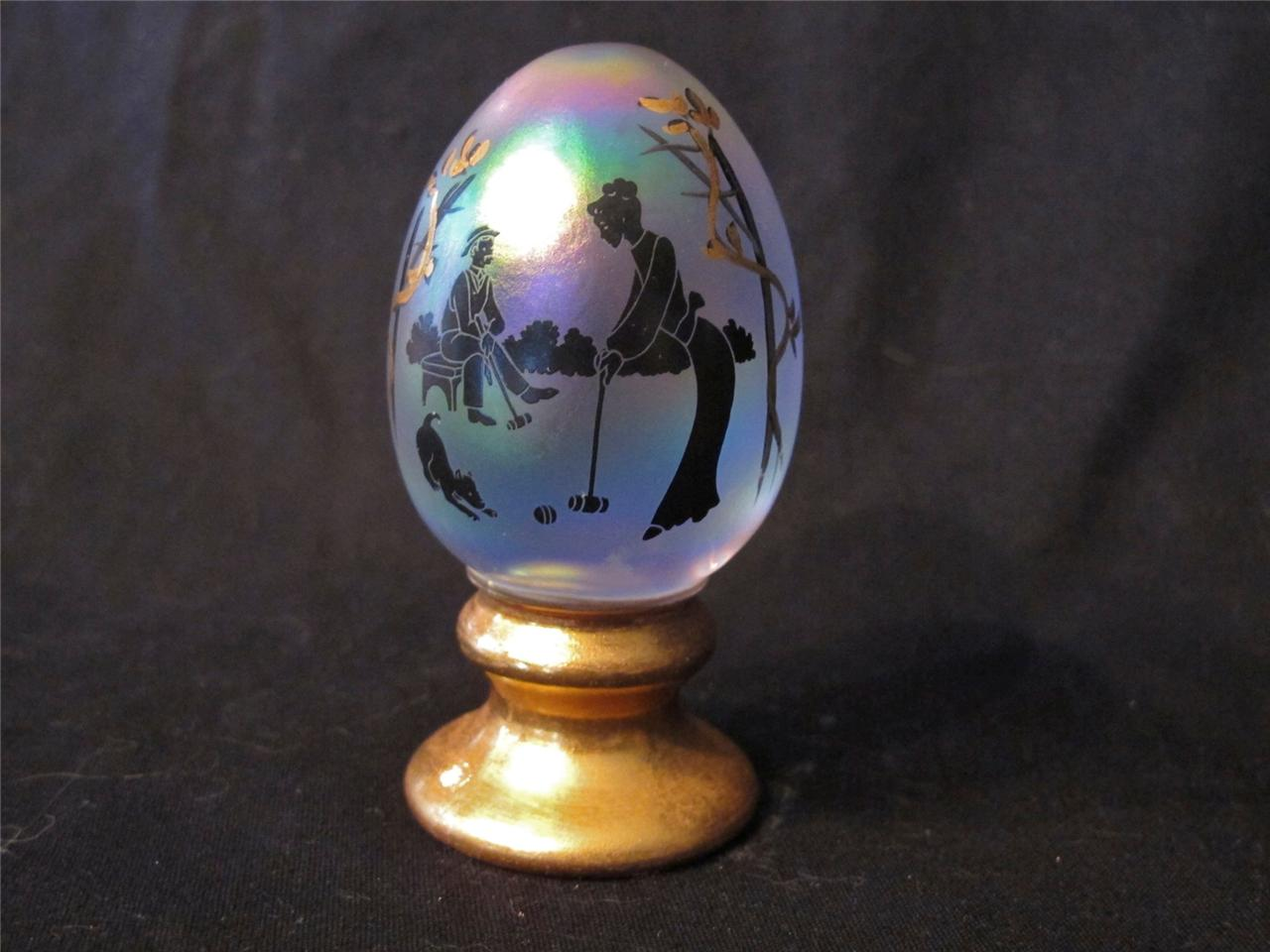 Fenton White Carnival Glass Silhouette Egg Paperweight Carnival Glass
