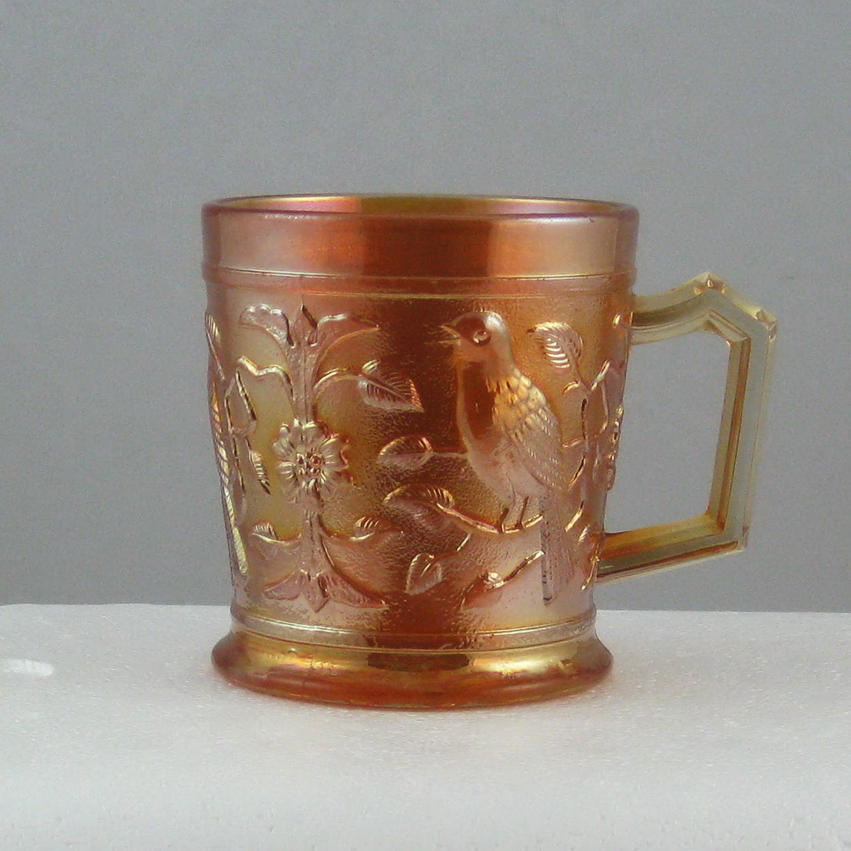 dating carnival glass Identifying carnival glass can be tough there are thousands of patterns and dozens of makers over the last 90 plus years and the glass making industry has always been highly competitive.