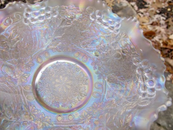 Antique Fenton White Leaf Chain Carnival Glass Mid-size Bowl