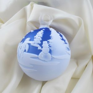 "Chris Carpenter Blue and White Snowman ""Winter Weekend"" Cameo Glass Ball"