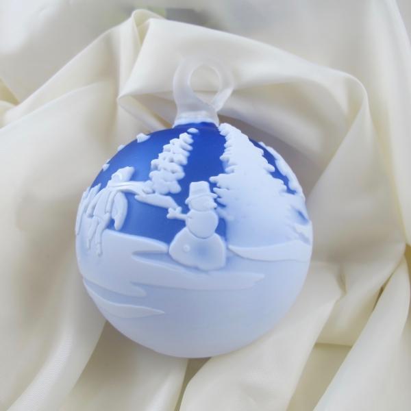 "Chris Carpenter Blue and White Snowman ""Winter Weekend"" Cameo Glass Ball"