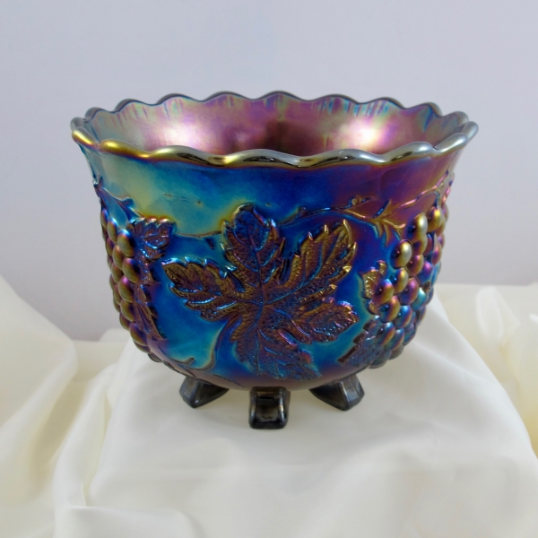 Antique Dugan Amethyst Grape Delight Carnival Glass Nut Bowl