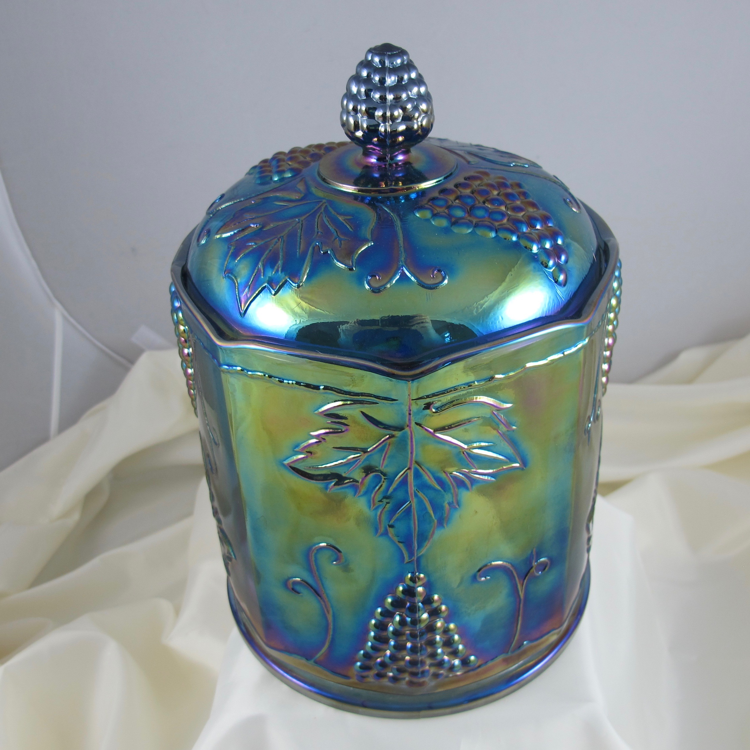 How To Measure Diameter >> Indiana Blue Harvest Grape Carnival Glass Large Canister